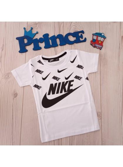 Футболка Nike для мальчика белого цвета