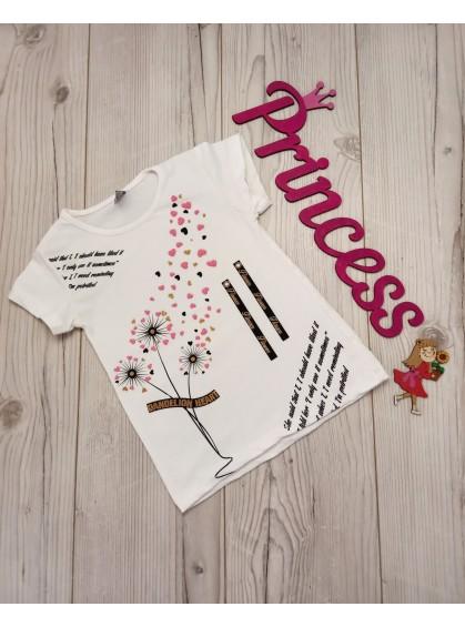 Красивая футболка с принтом для девочки